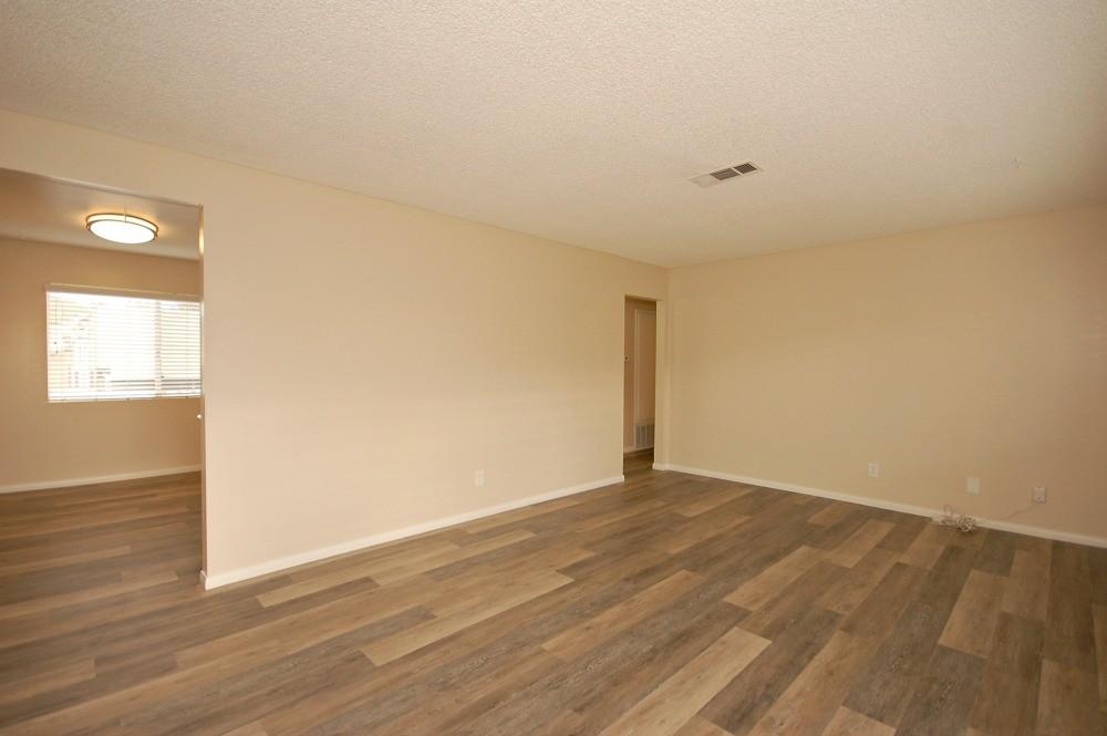 1050- 1060 Chinquapin Ave, Carlsbad, CA 92008