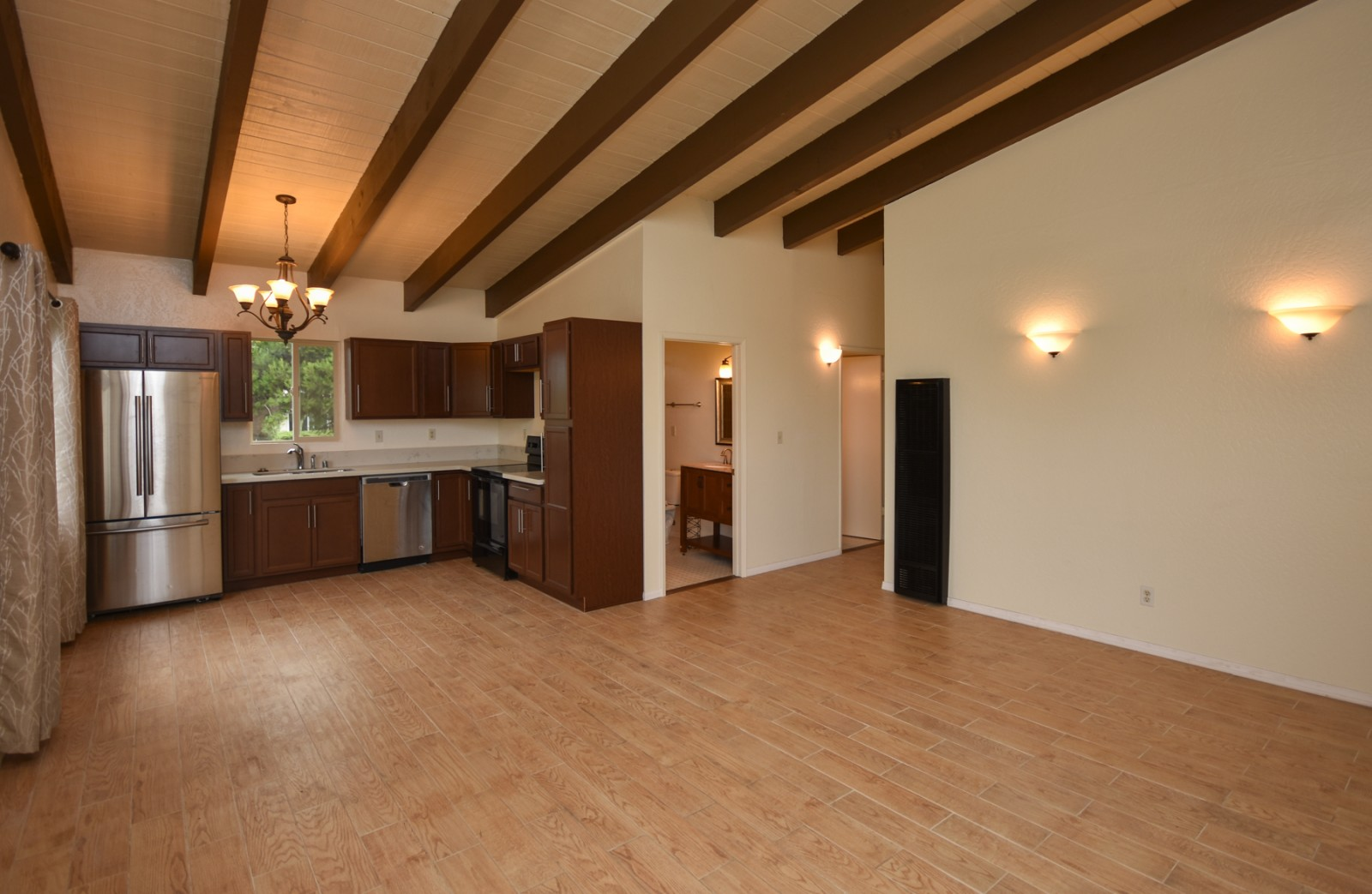 2104 Manchester Ave, Cardiff By The Sea, CA 92007