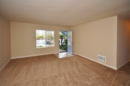 253 Tamarack Ave., Carlsbad, CA 92008