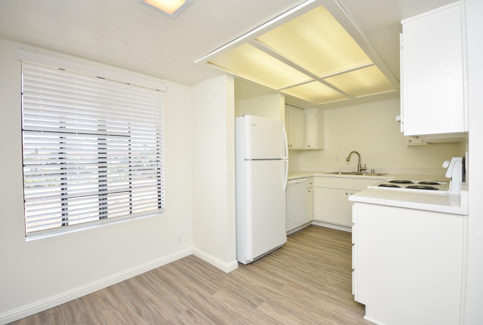 380-382 Acacia Avenue, Carlsbad, CA 92008